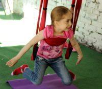 Йога для детей в гамаках (7-11 лет)